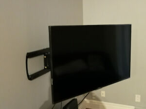 """SmartTV HD 50"""" and TV Mount"""