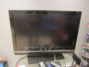 """LG 42"""" LCD TV + Speakers West Island Greater Montréal image 1"""