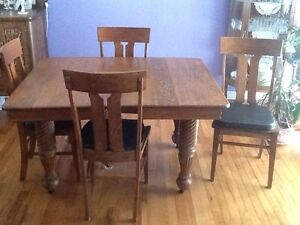 Table and chair set,oak