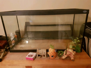 29 gallon Hagen tank and accessories