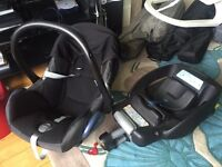 Maxi-Cosy car Seat and Base