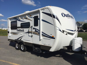 Roulotte Keystone Outback 210RS  Impeccable !!