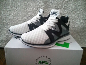 APL (Athletic Propulsion Lab) Ascend Running Shoes