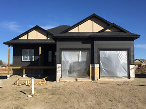 STIRLING- NEW CONSTRUCTION BUNGALOW LARGE DOUBLE ATTACHED GARAGE