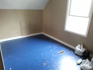Spacious room in Mckernan near Whyte, university.