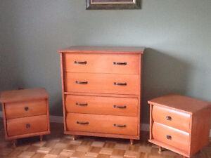 Set de chambre 4 morceaux : bois véritable