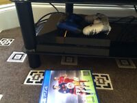 Ps4 with 3 games Fifa 16 black oops 3 and advanced warfare