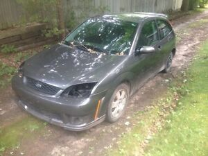 PARTING OUT: 2007 Ford Focus ZX3 SE (grey)