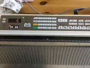 Brother KH940 Knitting Machine & KG95 Garter Carriage