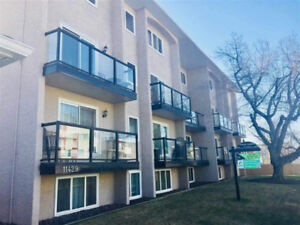 **REDUCED!** MODERN CONDO ON DOWNTOWN'S DOORSTEP!