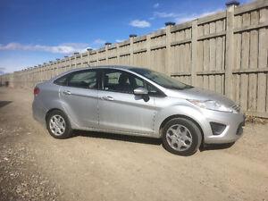 !!!!!2012 Ford Fiesta Sedan GREAT PRICE LOW KMS!!!!