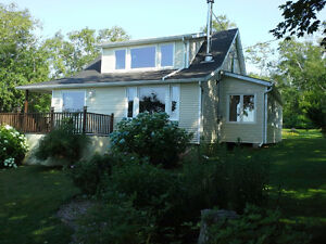 CUTE AS A BUTTON -  WATERVIEW HOME/COTTAGE St. John's Newfoundland image 4