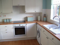 2 Fully Furnished double and 1 single room for House Share in quiet area in Dudley