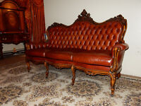 ANTIQUE HAND CARVED LEATHER PARLOR LIBRARY COUCH - NO PAYPAL