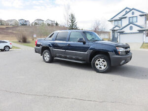 2004 Chevrolet Avalanche 1500 Pickup Truck