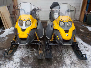 SKIDOO TUNDRA 300F FREESTYLE PAIR OF SLEDS ELECTRIC START/REVERS