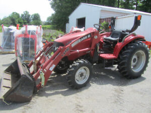 CASE D35 COMPACT TRACTOR