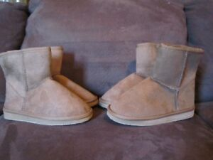 GIRLS BOOTS (NEW)
