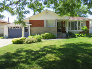 Brick Bungalow in the Heart of Chippawa