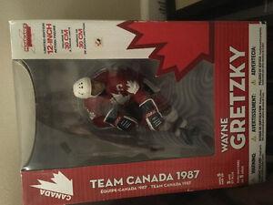 Wayne Gretzky figurine