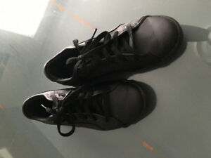 Black leather puma running shoe size 2