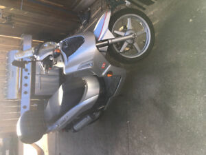 2004 Kymco S50 Gas Powered Scooter