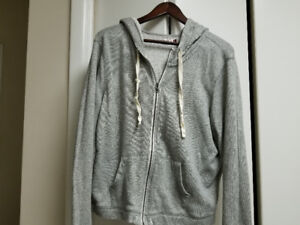 Grey hoodie size L to XL