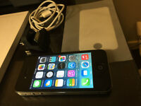 iPhone 4 32GB with accessories - EXCELLENT condition
