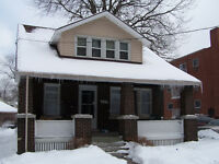 WELL MAINTAINED 7 BEDS NEAR U OF WINDSOR - CALL WARREN RUTGERS