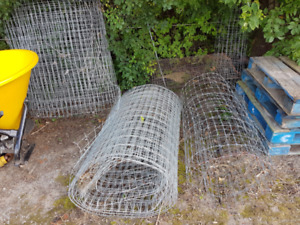 wire mesh fence 2x4