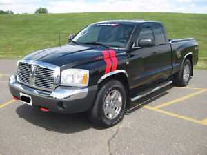 **SOLD PENDING SALE** 2005 Dodge Dakota SLT Plus Pickup Truck