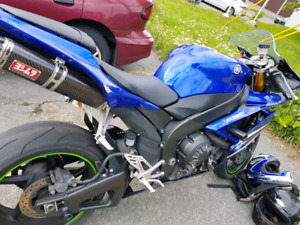 2009 r1 going cheap