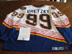 separation shoes 2b1ff 01ea7 Wayne Gretzky Signed Jersey | Kijiji in Alberta. - Buy, Sell ...