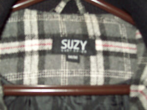 WOMEN'S GREY PLAID BOMBER JACKET Sarnia Sarnia Area image 2