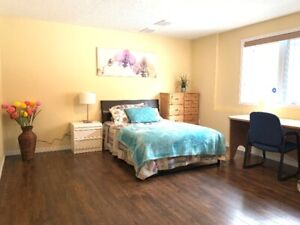 Large bedroom for short term rent