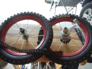 14 INCH  BIKE WHEELS AND CHAIN