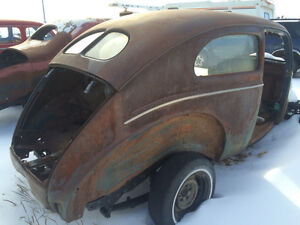 1940 Ford 2 door sedan deluxe/ford short door coupe/1984 z28