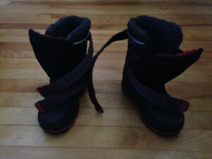 Toddler winter boots (size 8)