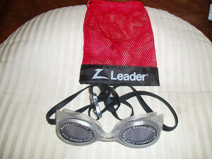 LEADER SWIMMING GOGGLES West Island Greater Montréal image 2
