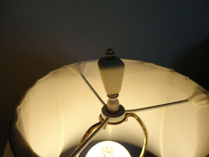 Vintage Victorian Trophy Style Table Lamp w/Pink Roses Kitchener / Waterloo Kitchener Area image 7