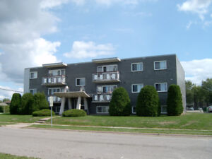 50 Boehmer - one bedroom apartment available July 2018