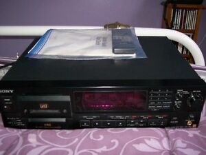 Sony DTC-57ES DAT Deck in excellent condition. Comes with the or