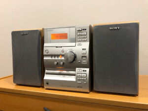 Moving Sale Sony Stereo. CD, Cassette, Radio, AUX Moving Sale