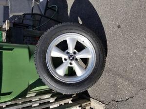 4 mags mustang avec pneus