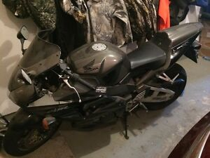 Cbr 954 low kms $4500 OBO Priced for quick sale