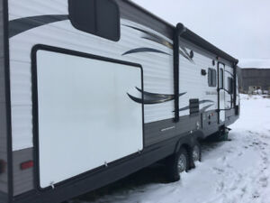Excellent Condition! Travel Camping Trailer