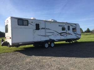 2011 WILDWOOD 32BHDS TRAVEL TRAILER (SOLD PPU)