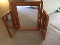 Pine dressing table three sided mirror