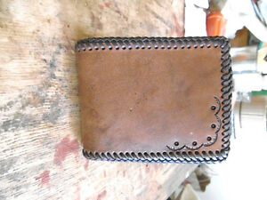 WALLET HAND CRAFTED LEATHER West Island Greater Montréal image 1