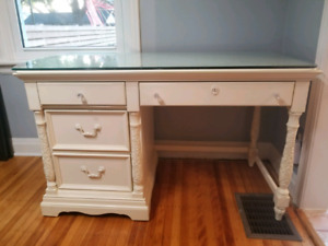 Broyhill solid wood desk with optional glass top